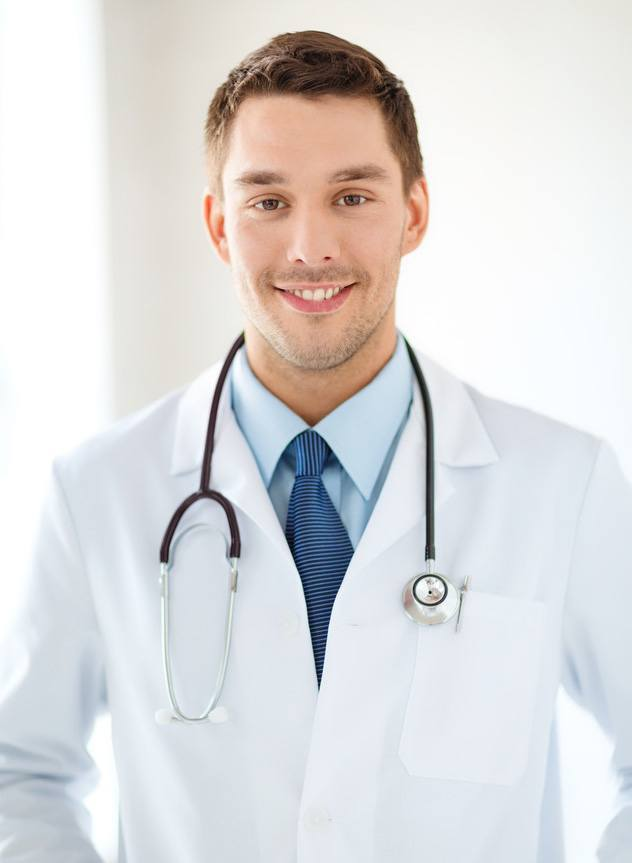 photodune-7307864-young-male-doctor-with-stethoscope-in-hospital-s
